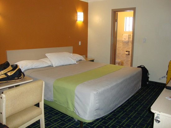 Economy Inn Hollywood: Room