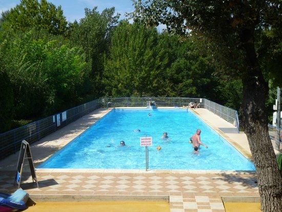 Camping Arc en Ciel: La piscine