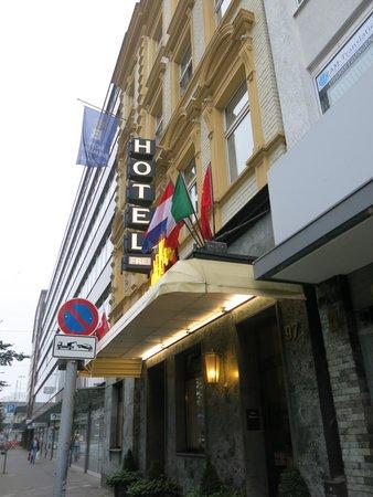 Bismarck Hotel : Отель Бисмарк, Дюссельдорф
