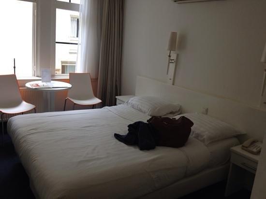 Hotel Multatuli: Room