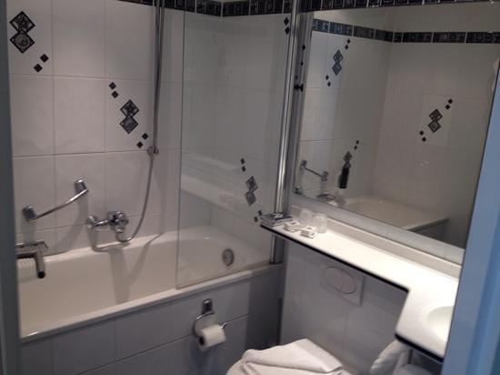 Hotel Multatuli: Bath