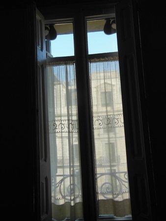 Hostal Oliva: Room window