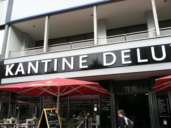 wiener schnitzel picture of kantine deluxe berlin tripadvisor. Black Bedroom Furniture Sets. Home Design Ideas