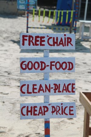 Karangasem, Indonesia: Free chair Good food