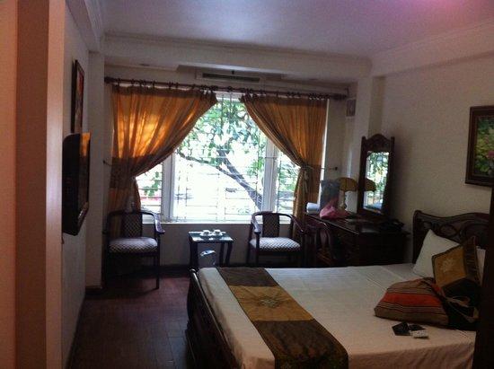 Hanoi Harmony Hotel: Room 201
