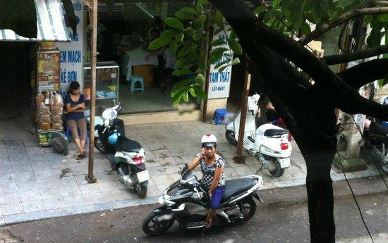 Hanoi Harmony Hotel: Street View from 201