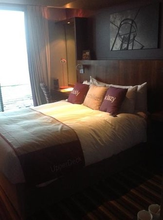 Village Hotel Farnborough: upperdeck room