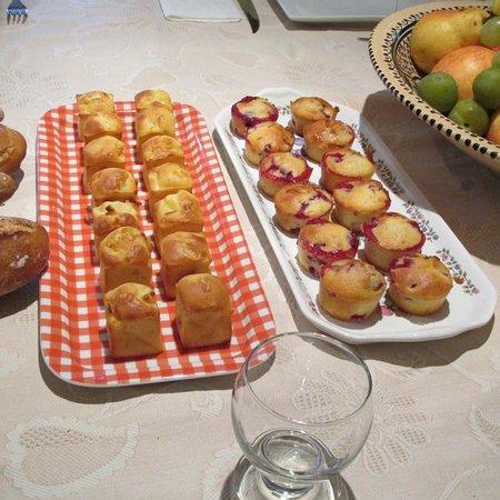 Le Moulin Vieux : Sylviane's delicious home bakes!