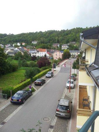 Dimmer Hotel : straatkant
