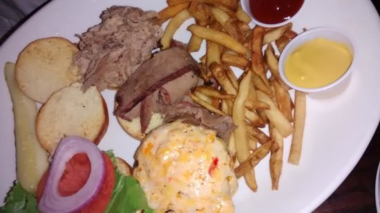 Smoke On The Water: Pimento cheese & pulled pork were good