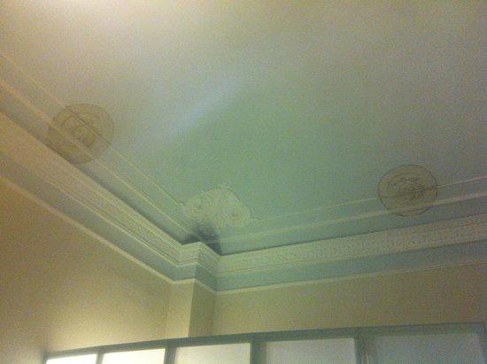 B&B Borgo Largo 51 : Our bedroom ceiling