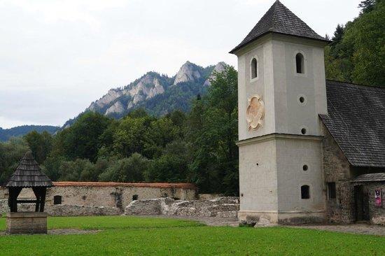 Cerveny Klastor, Slovakia: Z widokiem na Trzy Korony