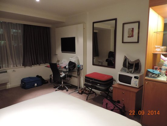 Chambre de luxe picture of rydges melbourne hotel for Chambre de luxe hotel