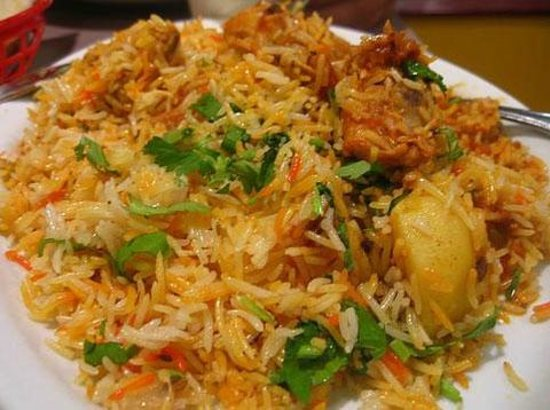 Hotel I K London Residency: Navabi Chicken Biryani