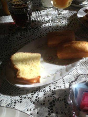 Mill Stone - Mt Penn Lodging: Bread at Breakfast