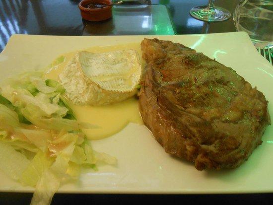 Le Kube Restaurant : Entrecôte angus au camembert coulant - Kube 20.09.2014