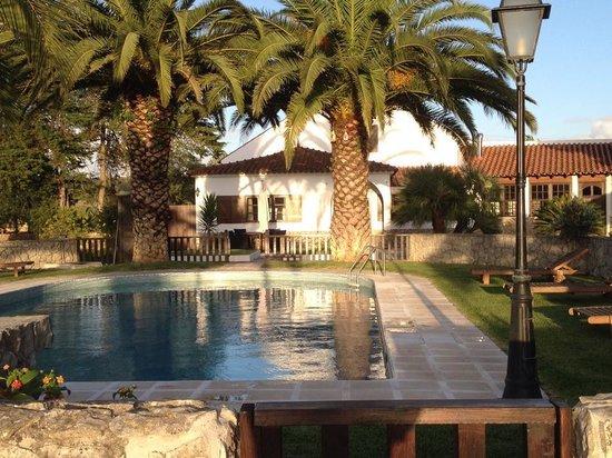 Quinta da Olivia: uitzicht op quinta en zwembad