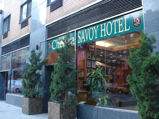 Chelsea Savoy Hotel : ホテル入口