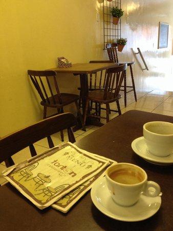 Cafe Tanton