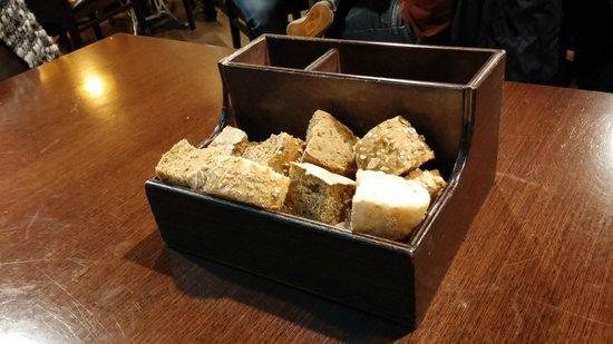 Taberna do Canton: Presentación del pan