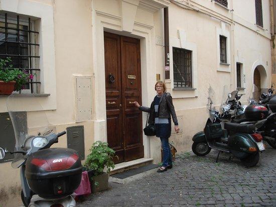B&B Ventisei Scalini a Trastevere: Indgang - kan være lidt svær at finde