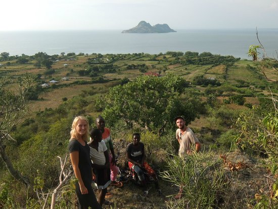 Wayando Beach Eco Lodge: hiking in the hills