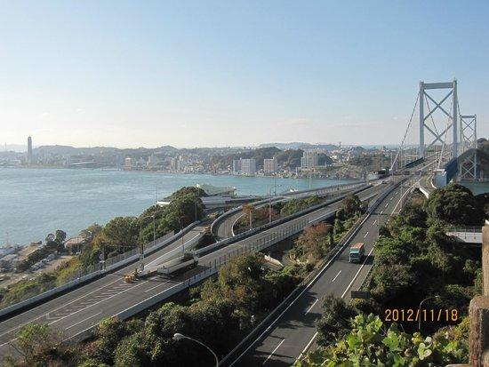 Mekari Park : 関門橋