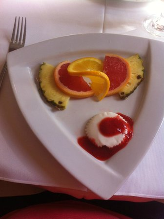 Auberge Le Madrigal: Premier service du déjeuner