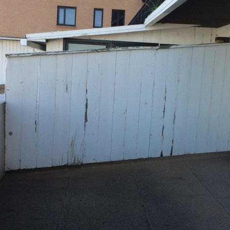 Poorly Maintained Balcony In 2 Bedroom Suite Picture Of Galt House Hotel Louisville Tripadvisor