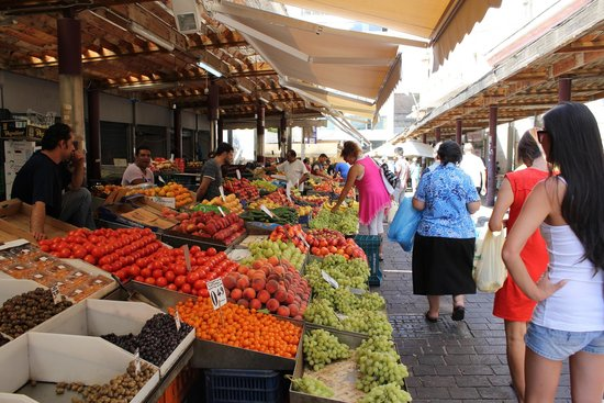 Athens Food Tours : fruit and vegetable market