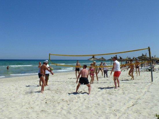 Le Soleil Bella Vista Hotel : волейол на пляже
