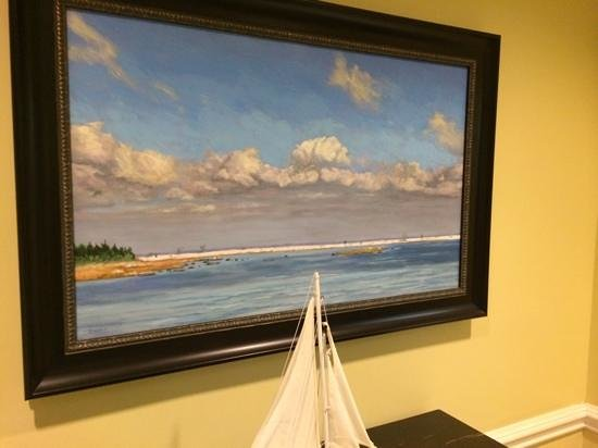 Charleston Harbor Resort & Marina : Regional art lines the public areas