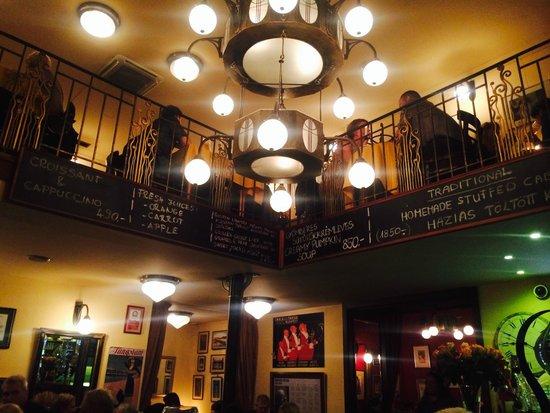 Spinoza Cafe : inside