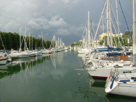 Hotel Sporting Rimini : Il vicino porto canale