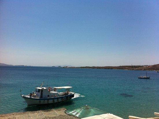 Krios Beach: Το καραβάκι-ταξί