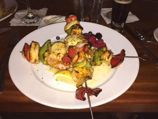 Cannons Seafood Grill : Seafood Medley