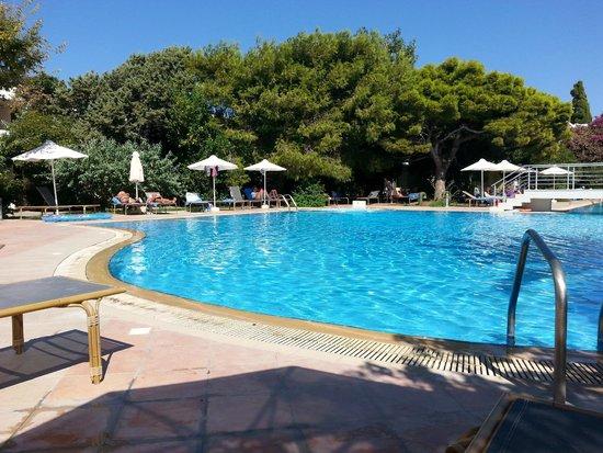 Caravia Beach Hotel: Einer von drei  Pool´s