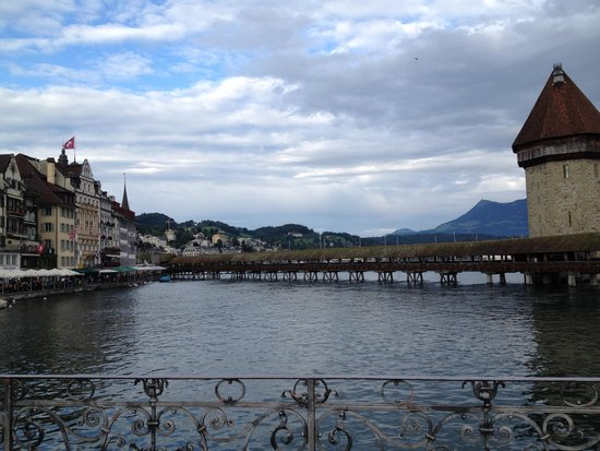 Jailhotel Loewengraben: River to Lake Lucerne