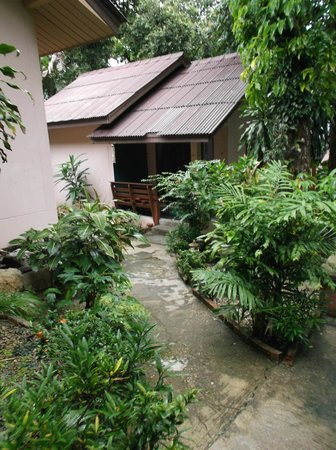 Ao Nang Greenpark Bungalow: Our bungalow