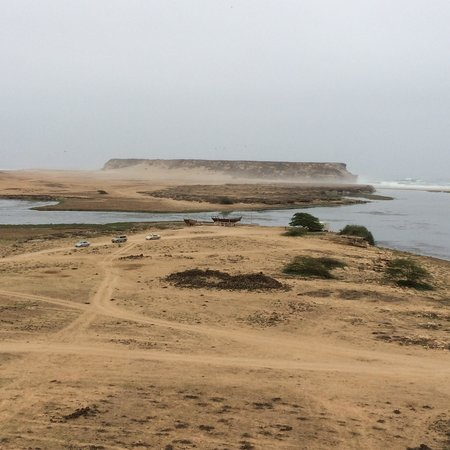Sumhuram Old City: Estuary and beach views