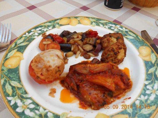Trattoria Il Vicolo: Spécialité maison de légumes gratinés