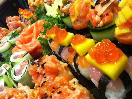 Sushi explosion - Review of Dakoky Sushi Fusion, Syracuse