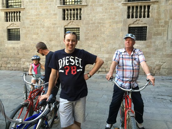 Fat Tire Bike Tours Barcelona: Our group!