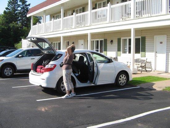 Canadas Best Value Inn and Suites: facade est