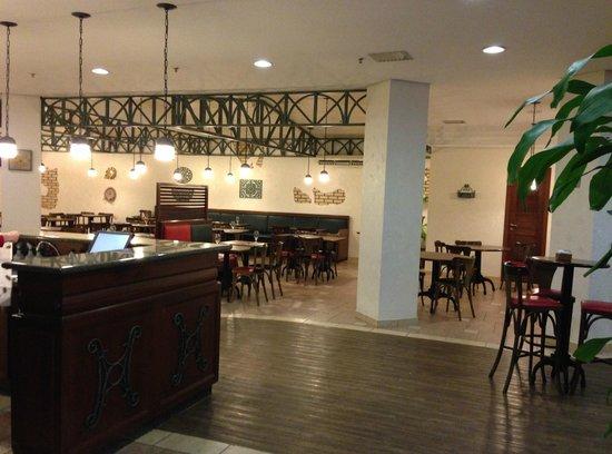 Ibis Joinville: Restaurante