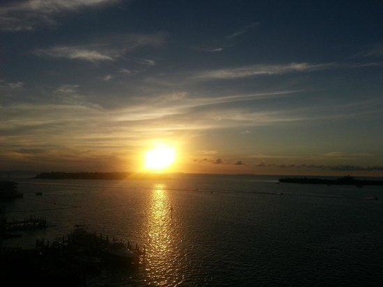 The Galleon Resort And Marina: sunset