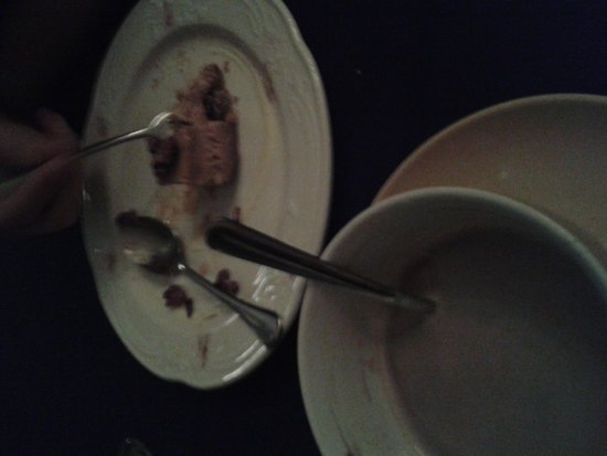 The Waring House Pub and Restaurant: What's left of dessert and coffee