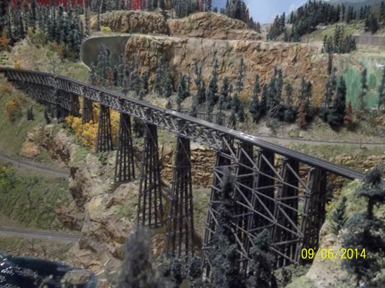 Colorado Model Railroad Museum: DONE VERY NICELY