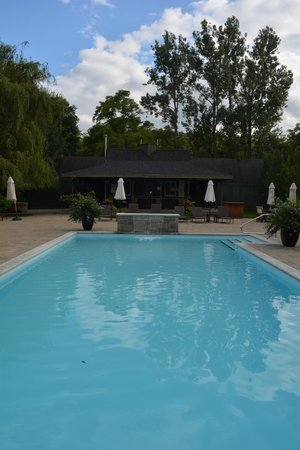 Langdon Hall Country House Hotel & Spa : Pool area
