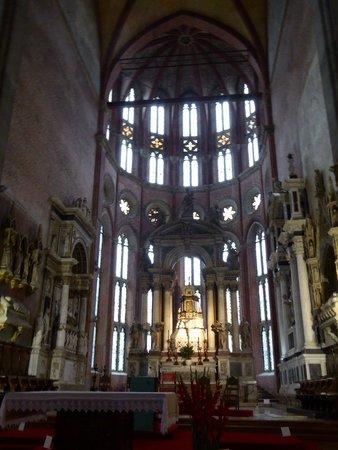 Basilica dei Santi Giovanni e Paolo (San Zanipolo): La nave principal de San Zanipolo, Venezia